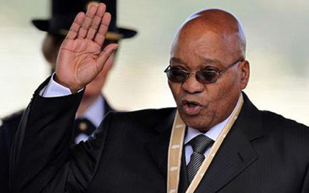 Jacob Zuma takes the oath of office as South Africa's President at the Union Buildings in Pretoria...Jacob Zuma takes the oath of office as South Africa's President at the Union Buildings in Pretoria May 9, 2009. REUTERS/Themba Hadebe/Pool (SOUTH AFRICA POLITICS)